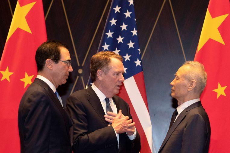 Amerikaans minister van Financiën Steve Mnuchin en handelsvertegenwoordiger Robert Lighthizer met Chinese vicepremier Liu He tijdens de top.