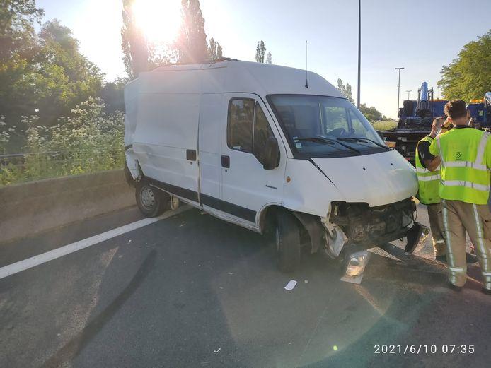 Ongeval op de E40 waarbij twee bestelwagens betrokken waren
