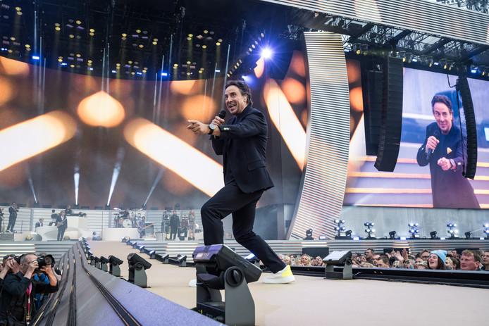 Marco Borsato treedt op in de Kuip, Rotterdam 2019.