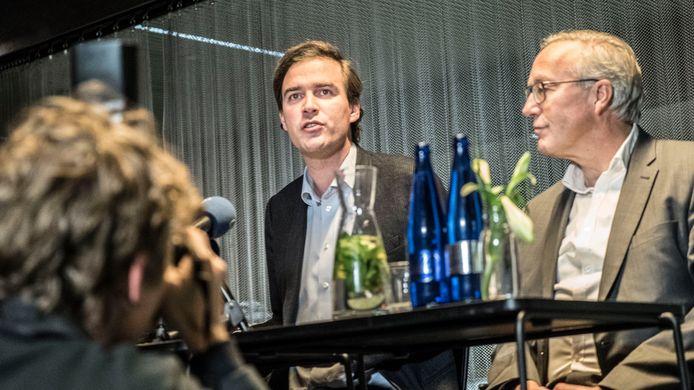 De Clercq samen met Watteeuw bij de voorstelling van het akkoord vanavond.