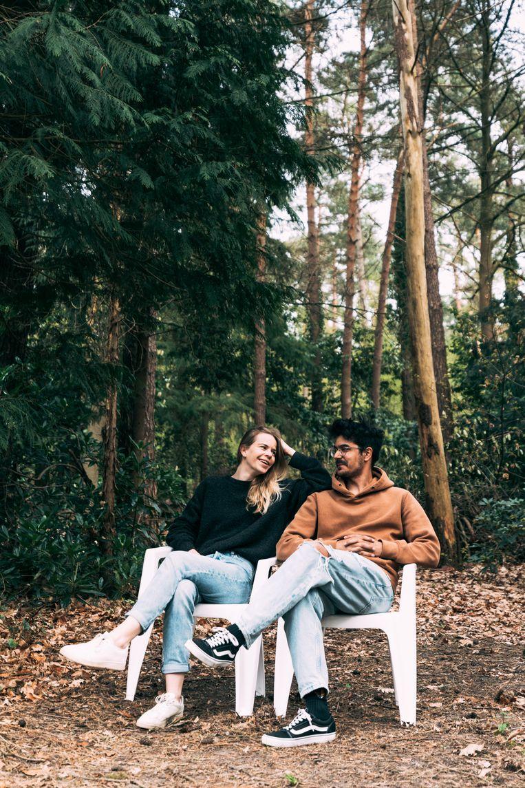 Inne en haar vriend Yannick: 'Elke dag ben ik dankbaar omdat we hier mogen wonen en ons zo gelukkig voelen.' Beeld Rebecca Fertinel