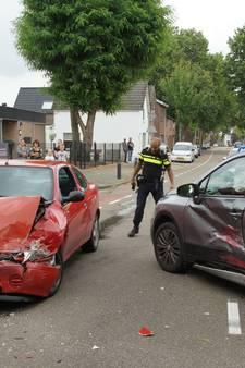 Botsing op Marktstraat Kaatsheuvel, een persoon gewond