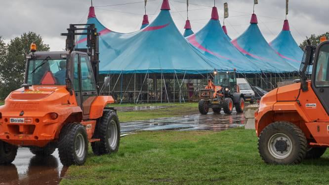 Opbouw voor FestyLand in Volkel in volle gang