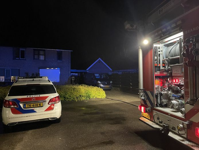 Brand in een vrijstaand schuurtje aan de Keminksweide achter een woning in Dinxperlo.