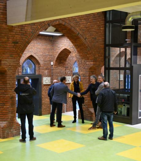 Tot school verbouwde Adrianuskerk in Esbeek opgeleverd, kinderen moeten nog maandje geduld hebben