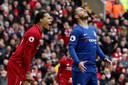 Virgil van Dijk zet zijn ploeggenoten op scherp, Hazard baalt.