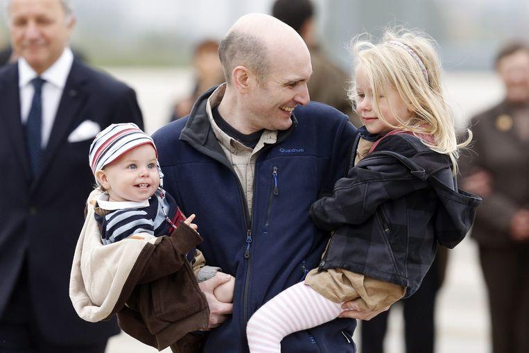 De Franse journalist Nicolas Henin nadat hij is vrijgelaten. Beeld EPA