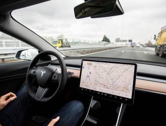 Tesla gaat met boordcamera monitoren of bestuurders opletten tijdens het rijden