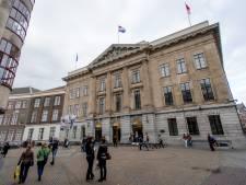 Stadhuis zwaar beveiligd bij informatieavond over opvang
