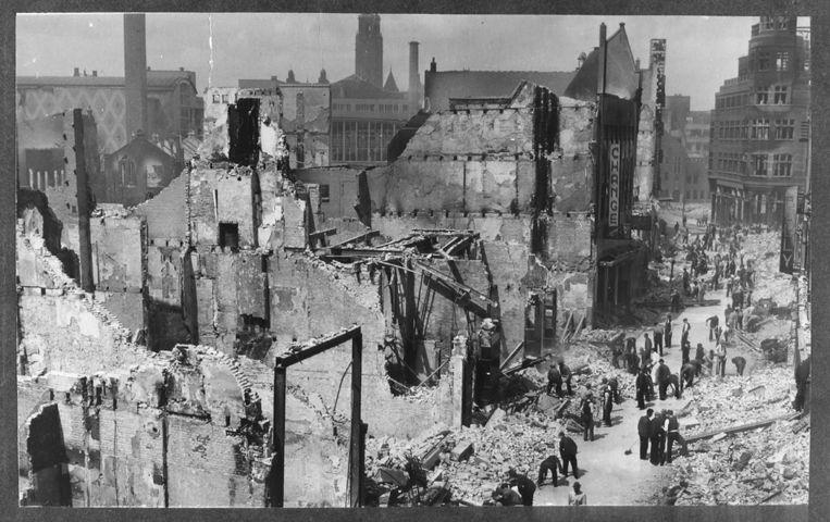 De Korte Hoogstraat in Rotterdam, na het Duitse bombardement van 1940. De fotograaf is onbekend. Beeld Stadsarchief Rotterdam
