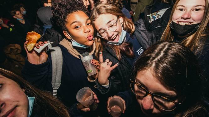 Hasseltse Dag van de Jeugdbeweging trok 1.000 jongeren voor vers ontbijtje naar Dusartplein