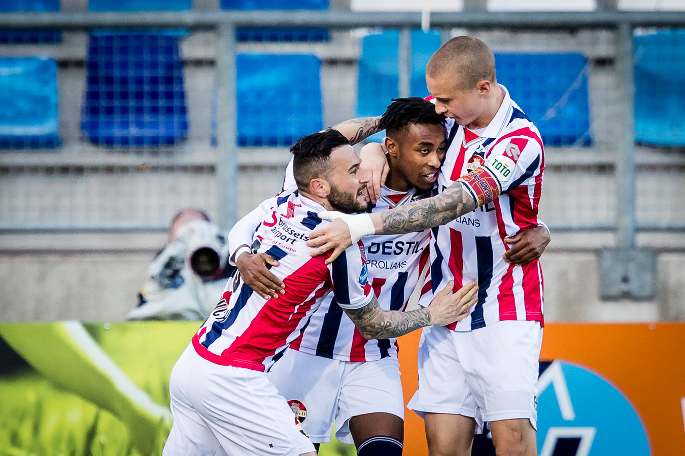 Willem II viert de 2-0.