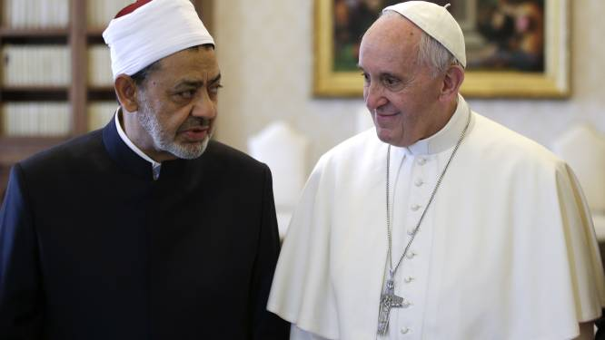 """Pour le grand imam d'Al-Azhar, insulter des religions est un """"appel à la haine"""""""