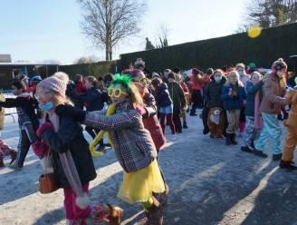 Het is eens iets anders: witte carnaval op Sint-Martinusschool