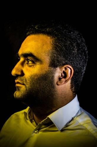 """GOLDEN BOYS. Yasin Karaca zag het malafide wereldje van voetbal: """"Achter de deuren gebeurt er héél veel"""""""