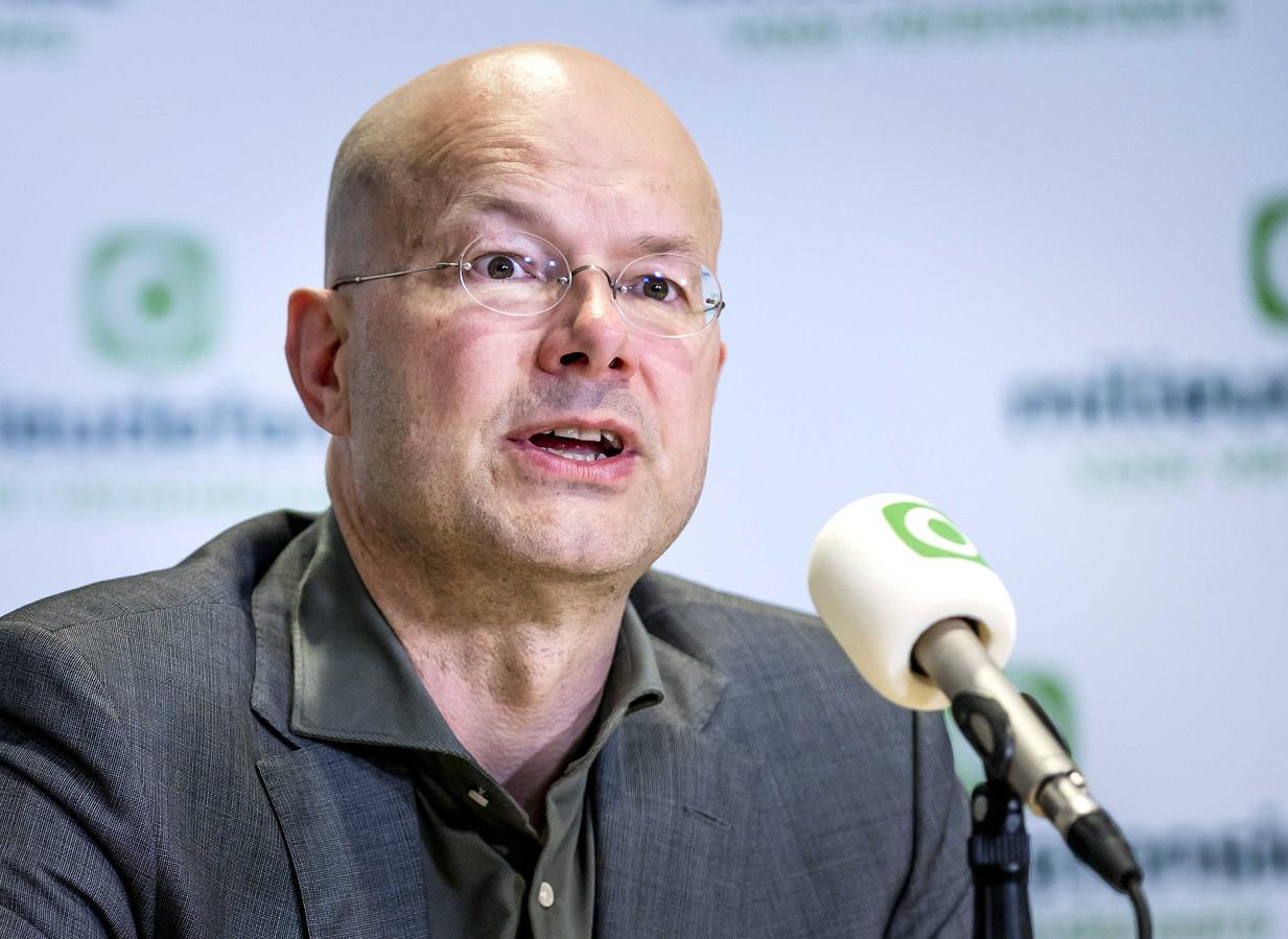 Donald Pols, directeur Milieudefensie, tijdens een persconferentie over de uitspraak in de klimaatzaak tegen Shell.