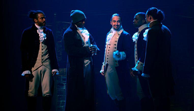 Daveed Diggs, Okieriete Onaodowan, Lin-Manuel Miranda, Leslie Odom Jr. en Anthony Ramos in 'Hamilton'. Beeld Disney Plus / AP