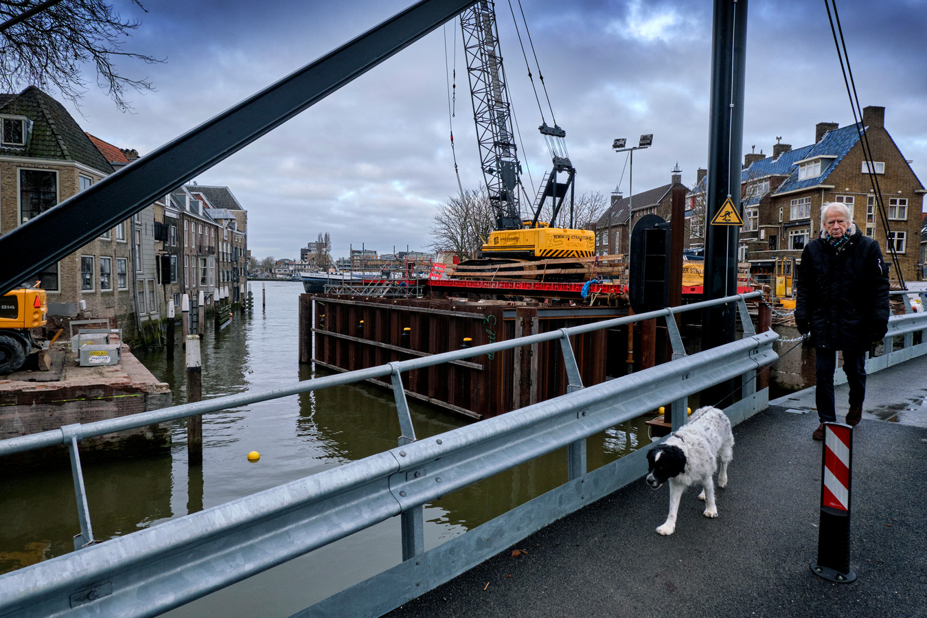 De druiven over de veel hogere kosten voor renovatie van de Engelenburgerbrug zijn zuur in de gemeenteraad. ,,Maar we hebben geen keus.''