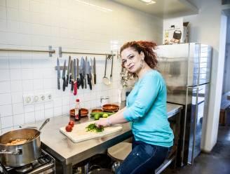Zina laat Nederland kennismaken met de Syrische keuken Syrische Zina : 'Koken kon ik altijd al goed'