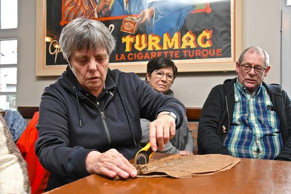 De sigarenworkshop voor de vrijwilligers van De Kim.