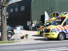 Fietser geschept door auto op Nieuwveenseweg