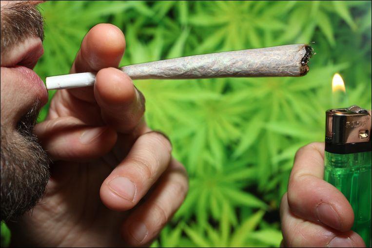 In je haar is tot drie maanden lang te merken of je een joint hebt gerookt.
