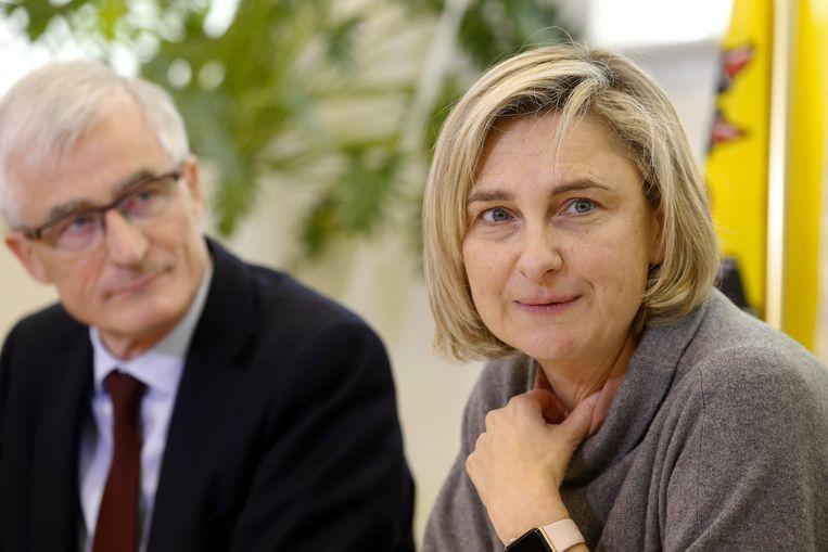 De onderwijsvakbonden gaan langs bij minister van Onderwijs Hilde Crevits (CD&V) en vragen aan de Vlaamse regering extra geld voor het hoger onderwijs. Beeld BELGA