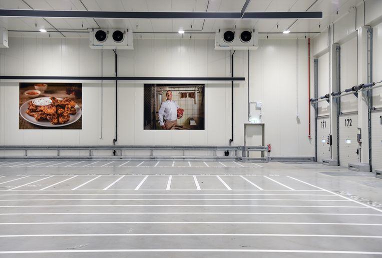 Het nieuwe distributiecentrum van Lidl in Nijmegen-Noord. Beeld Marcel van den Bergh / de Volkskrant