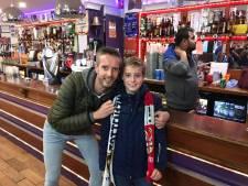 Guus (10) wordt Wembley uitgezet omdat hij PSV-shirt draagt: 'Dat ging best wel lomp'