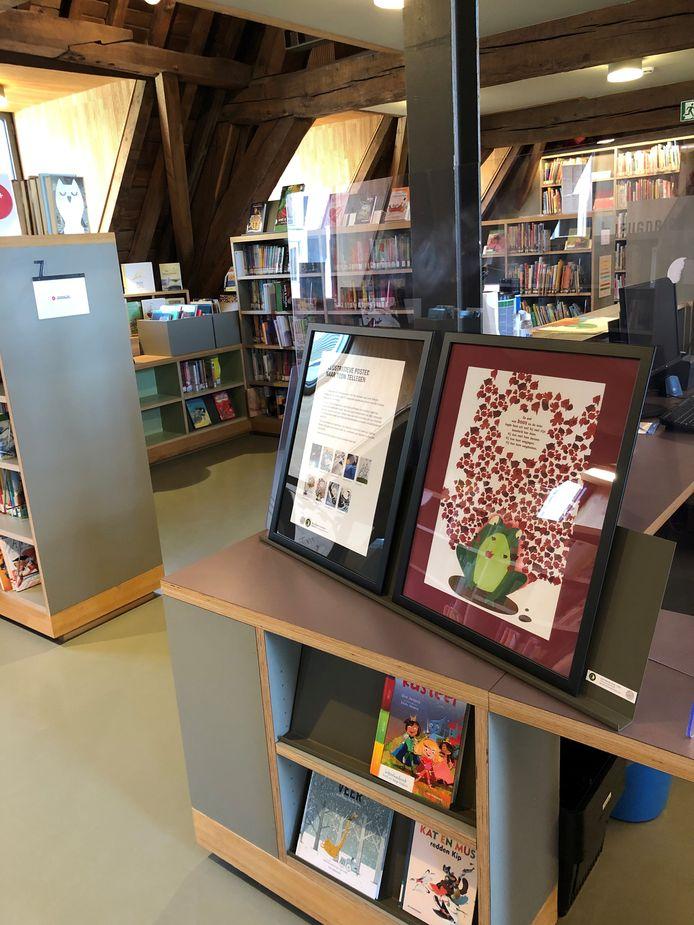 De leerlingen van het vijfde jaar Toegepaste beeldende kunst van het Busleyden Atheneum campus Caputsteen maakten affiches voor de Jeugdboekenmaand. Ze zijn te zien in Het Predikheren.