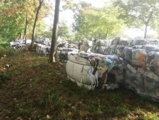 Gigantisch sluikstort met 30 tot 40 ton kledij ontdekt