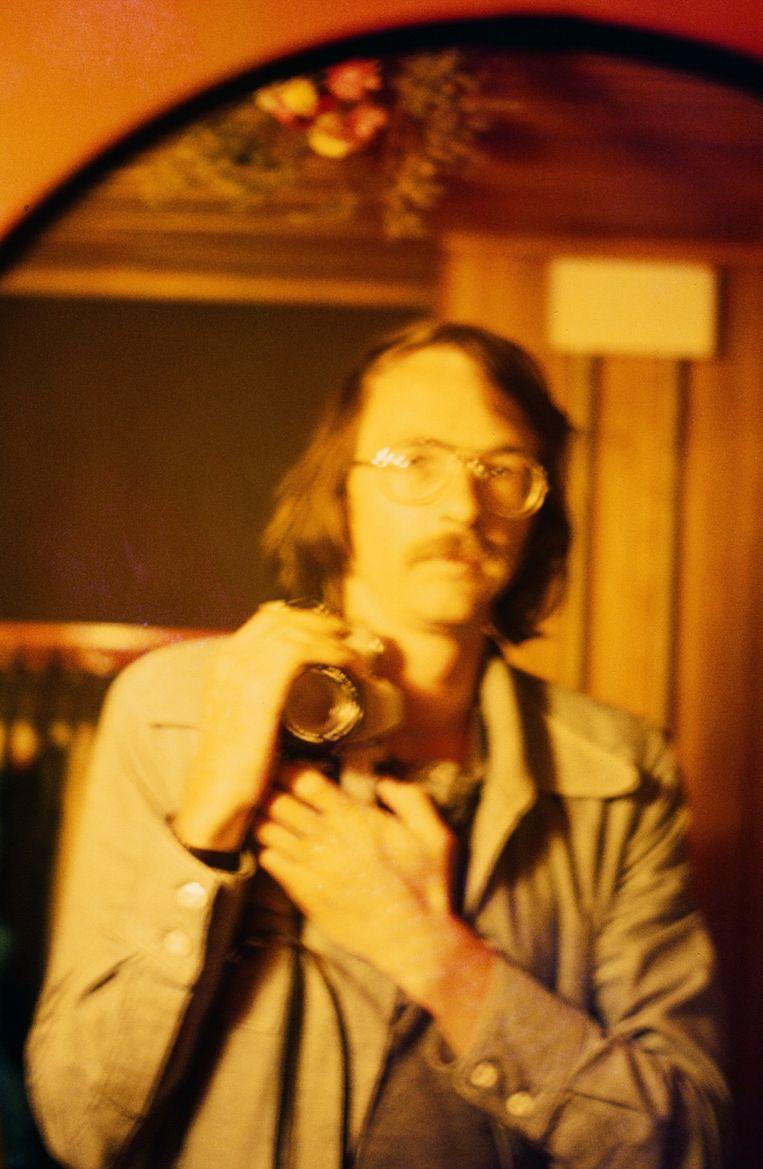 Vader Heijmans nam al selfies in de jaren ?70. Beeld uit de album van Toine Heijmans