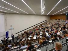 Radboud gelast tentamens af; Wageningen Universiteit wél doorgaan; geen les HAN