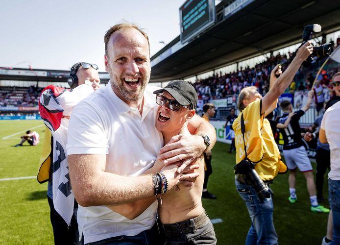 Dick Lukkien is de gevierde man bij FC Emmen na de promotie in 2018.