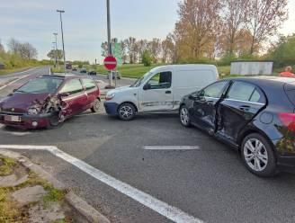Opnieuw ongeval in Oudenaardsesteenweg aan op- en afrittencomplex: twee lichtgewonden