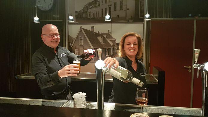 Marcel Peters en Jessica de Rooij, exploitanten van het verenigingsgebouw in Montfoort