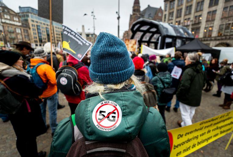 Tegenstanders demonstreerden in januari dit jaar tegen 5G op de Dam. Beeld ANP