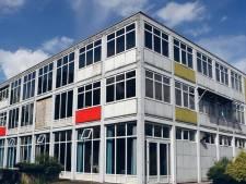 Voormalige Rijksluchtvaartschool op Groningen Airport Eelde wordt te koop gezet