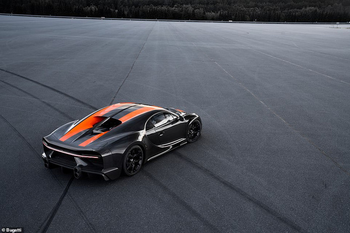 De record-auto van Bugatti.
