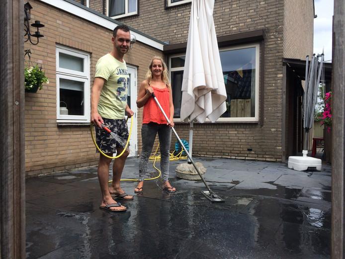 Het pasgetrouwde stel René en Marcelle van de Werken uit Nederhemert.