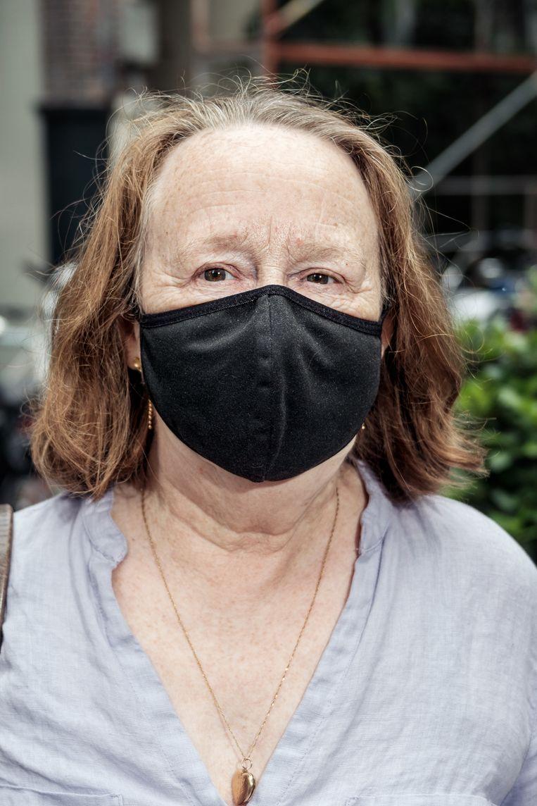Angy Batty: 'Ik draag het mondkapje niet alleen voor mezelf, ook voor mijn omgeving' Beeld Jakob van Vliet