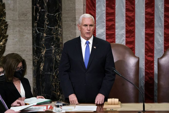 Vicepresident Mike Pence bij de officiële bekendmaking van de uitslagen.