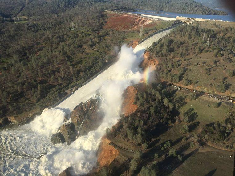 De beschadigde dam in Oroville. Beeld EPA