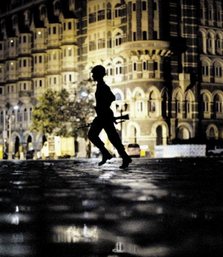Een aanslag in de Indiase stad Mumbai (Bombay) eist 173 doden en 308 gewonden. ( FOTO AP) Beeld AP