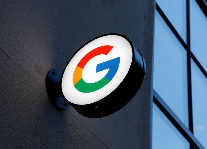 Het 'G'-logo van Google bij de ingang van een Google-winkel in New York.