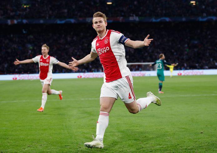Matthijs de Ligt leverde Ajax veel geld op.