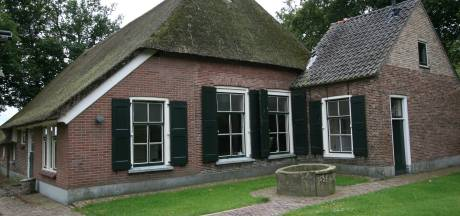 Bijzonder huis kopen? In Nijverdal staat dit monument te koop (waar zelfs een gedicht over geschreven is)