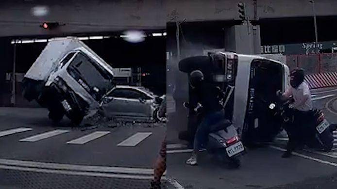 Vrachtwagen kantelt en botst bijna op motorrijder