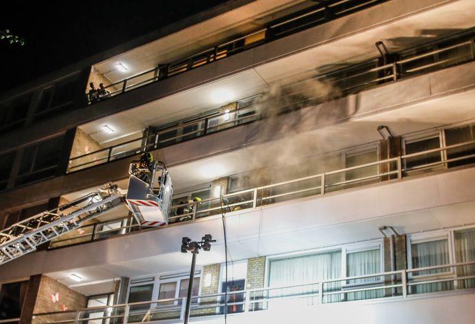 De brand in de Kaptein Stamperiusflat in Zwijndrecht ontstond op de ... verdieping.