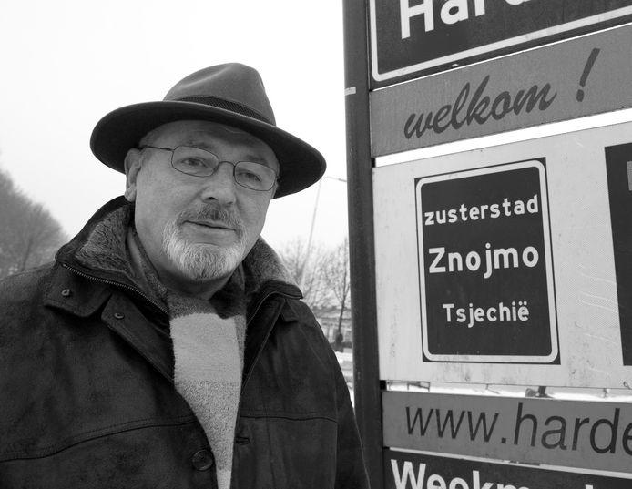 De bekende Harderwijker Dim van Rhee overleed op 8 maart 2020.